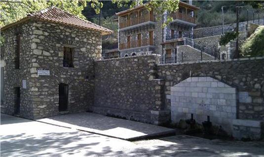 πολυδευκης-καστορι-ξενωνας
